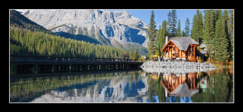 Obraz do bytu chata u jezera