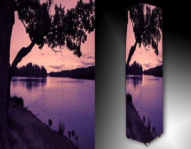 Lampa - stromy u vody